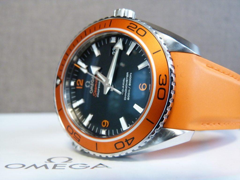 แบรนด์นาฬิกาผู้ชาย omega-watch